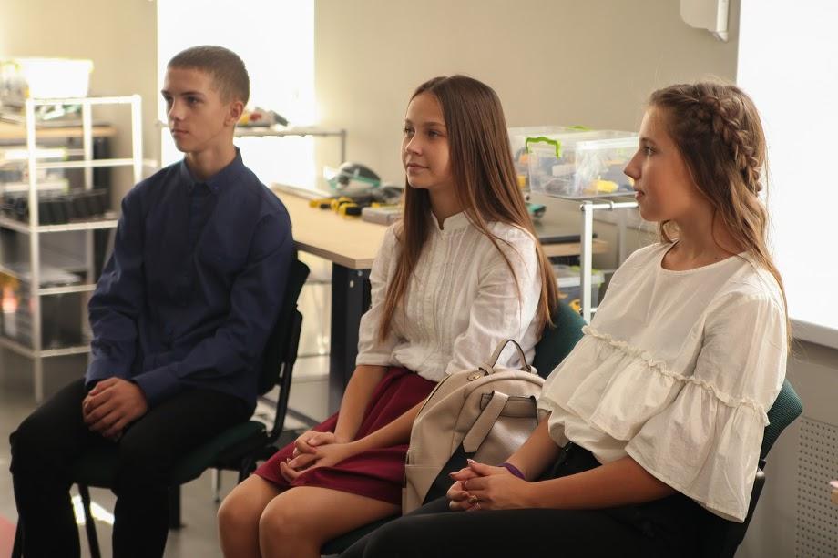 На Дніпропетровщині відкрили інклюзивну школу робототехніки для учнів