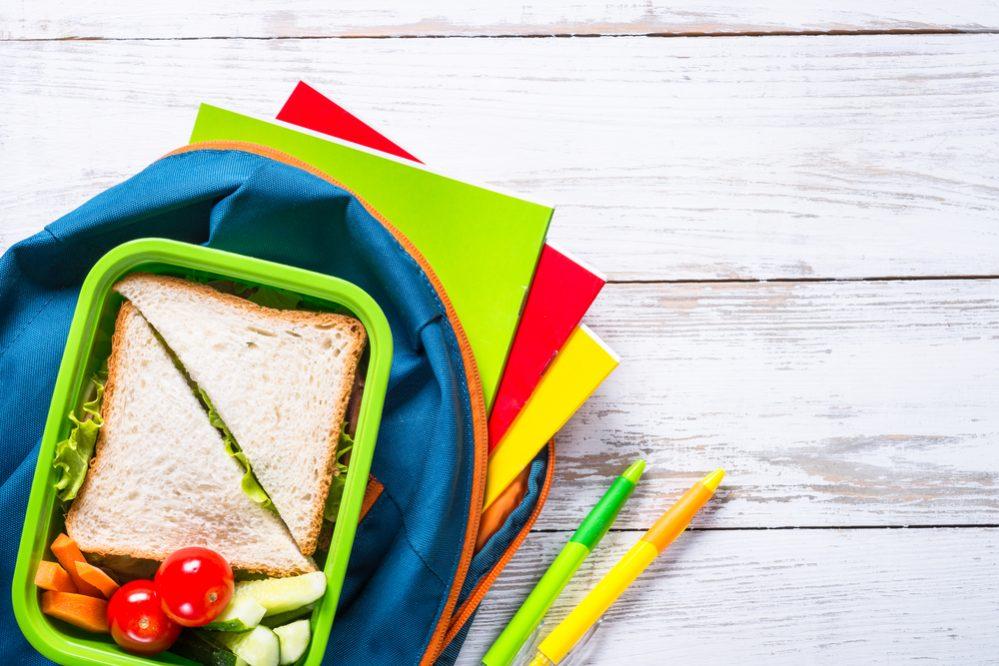 Як організовують і скільки платять за шкільні свята батьки за кордоном