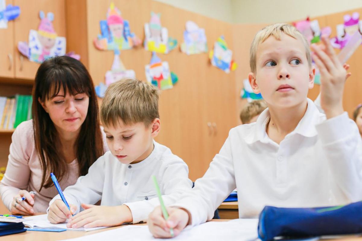 Перебороти страхи – як школа у Дніпрі шість років працює з дітьми з аутизмом