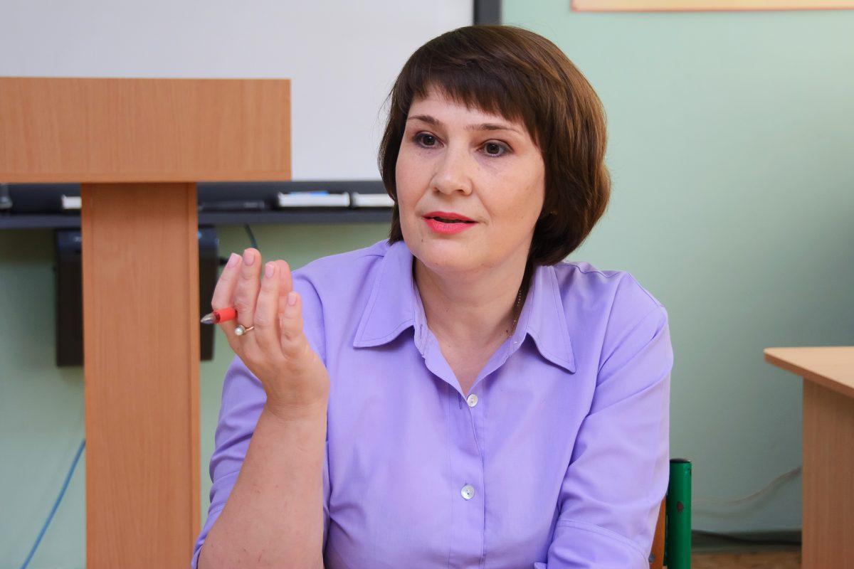 заступник директора з виховної роботи Ірина Бонь