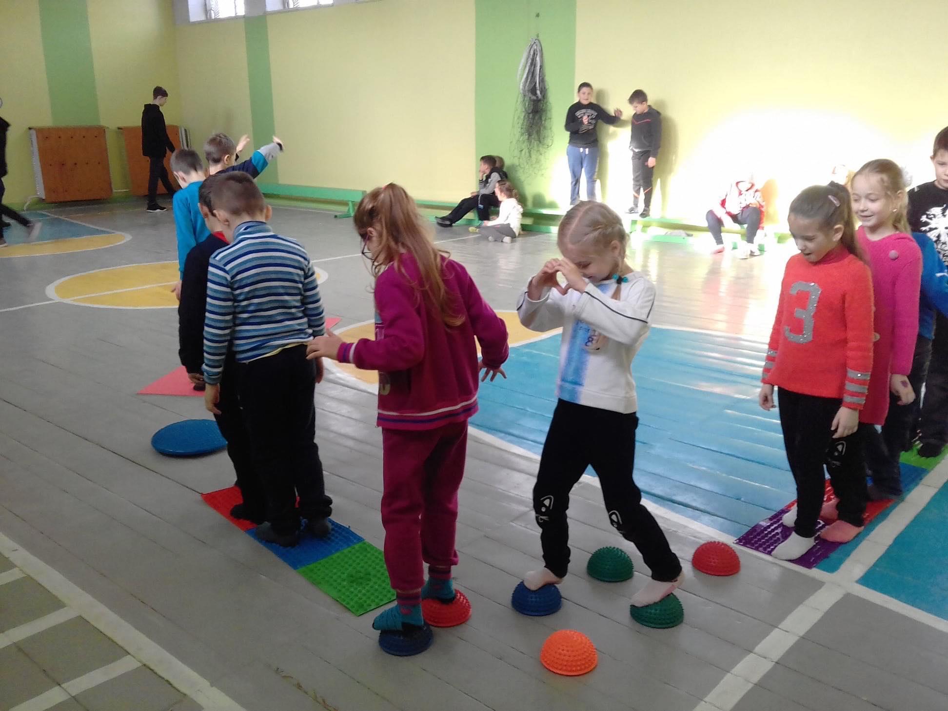 У 30 львівських школах запровадили уроки правильної постави
