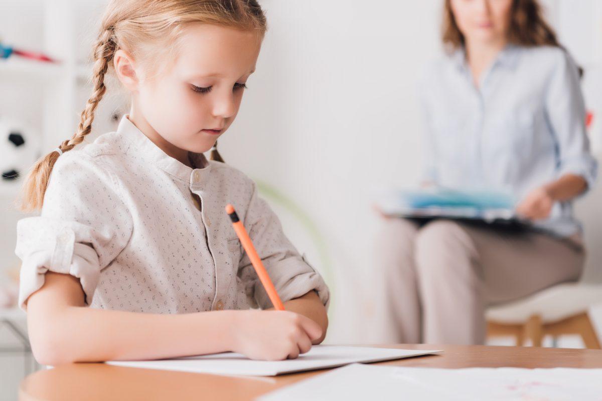 До школи за їжею – дві історії про роботу з дітьми у складних життєвих обставинах